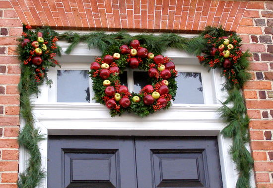 williamsburg christmas wreath - Colonial Christmas Decor